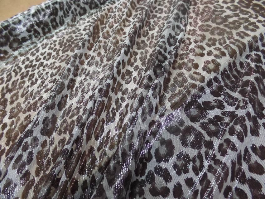 Voile de soie blanc brillant imprime fauve marron3