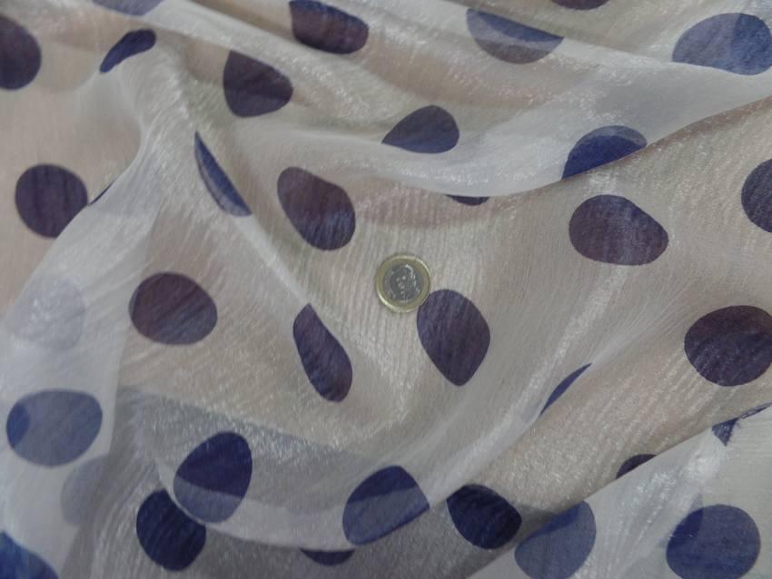 Voile de soie brillant blanc a pois bleu3