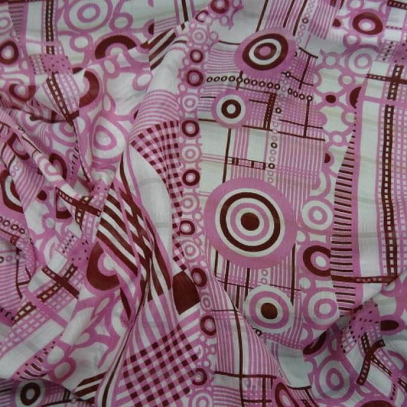 Voile de soie crepon imprime retro ton blanc rose et bordeaux0 1