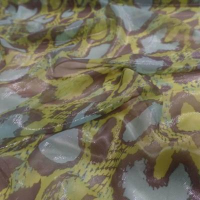 Voile de soie sintillante imprime vert anis marron et bleu