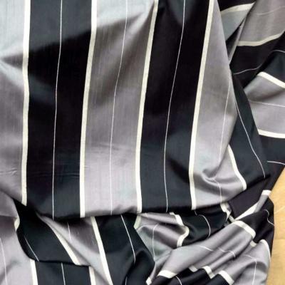 Voile taffetas gris noir legerement transparent en 3 m de largeur