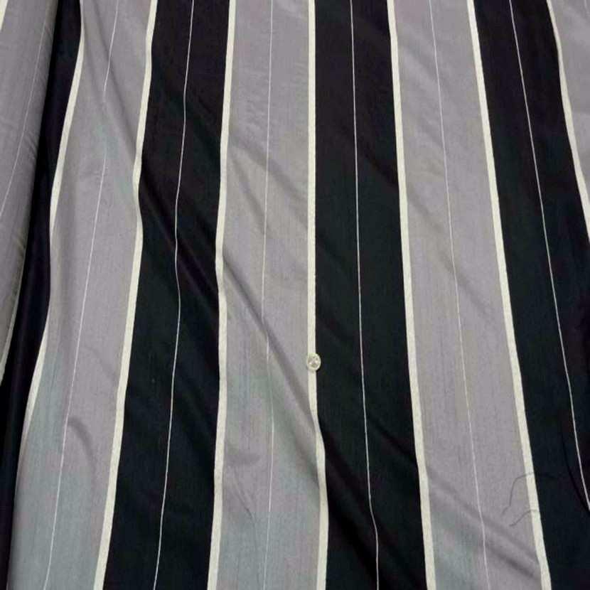 Voile taffetas gris noir legerement transparent en 3 m de largeur 0