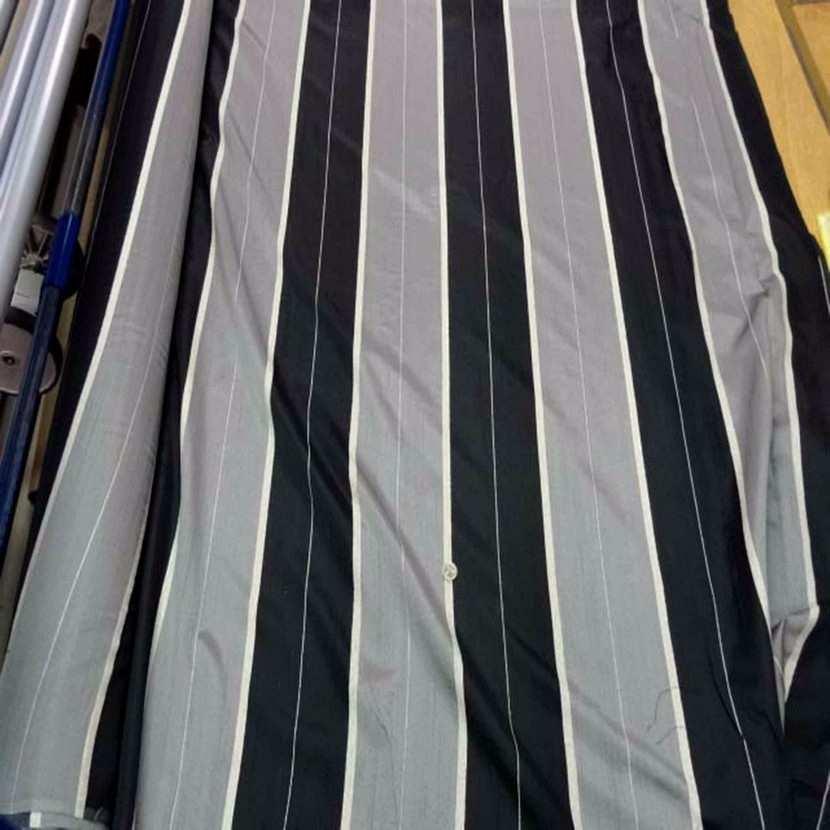 Voile taffetas gris noir legerement transparent en 3 m de largeur9